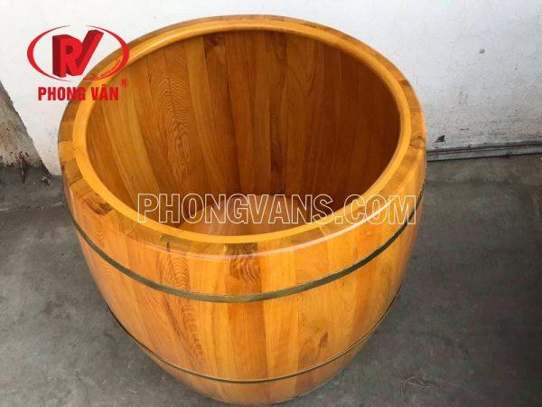 Bồn tắm gỗ pơ mu hình trống tròn
