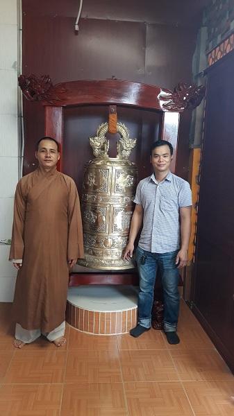 Chuông đồng đỏ Huế 200 kg cao 130cm