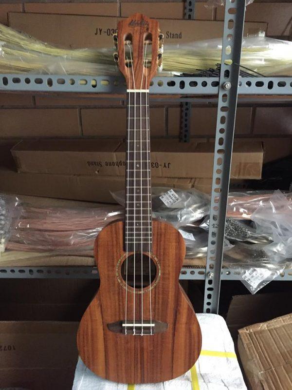 Đàn ukulele bằng gỗ