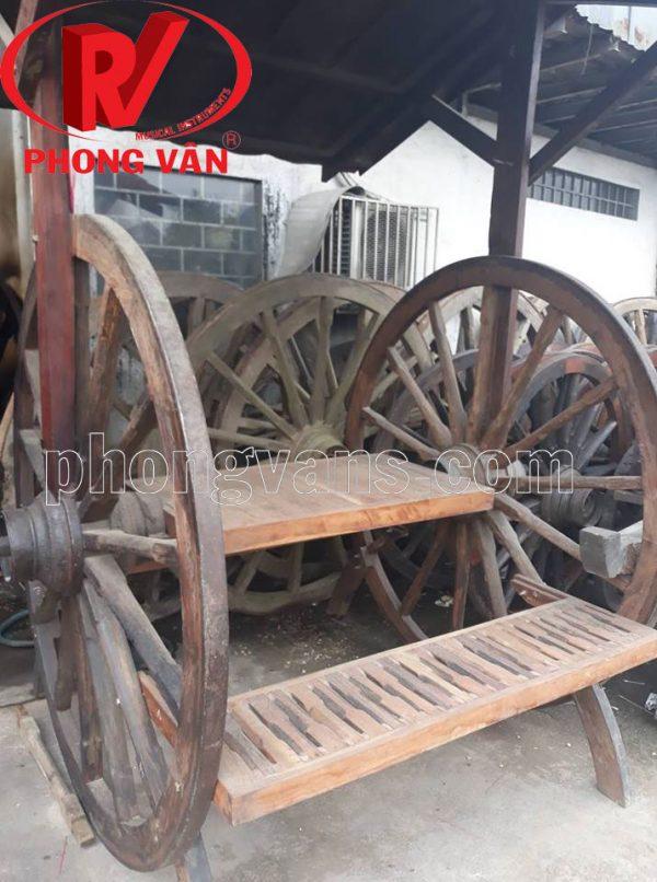 Ghế ngồi bằng bánh xe bò ngựa gỗ cổ