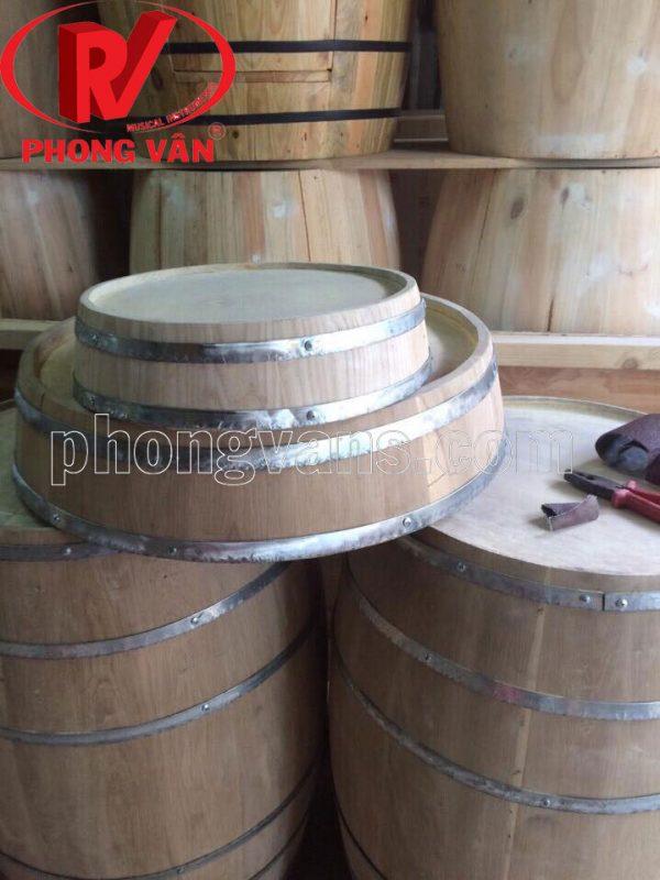 Mặt thùng gỗ ốp vào tường