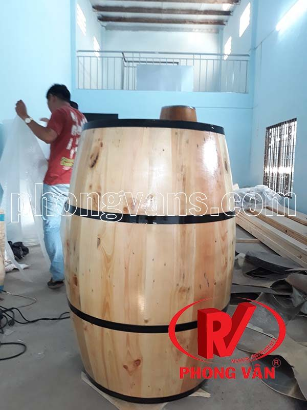 Thùng gỗ thông trang trí cao 1m1