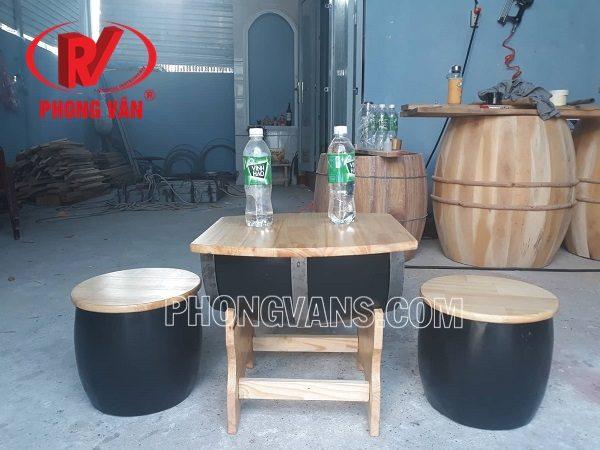 Bàn ghế gỗ thông bằng thùng gỗ coffee trà sữa