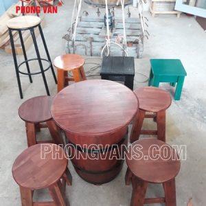 Bộ bàn ghế cafe bằng thùng gỗ thông