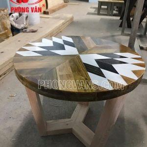 Bàn gỗ thông hình 3D