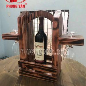 Kệ để chai rượu vang treo ly màu giả cổ