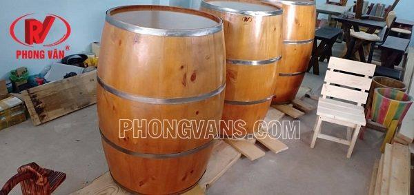 Thùng rượu gỗ thông trang trí cao 1 mét