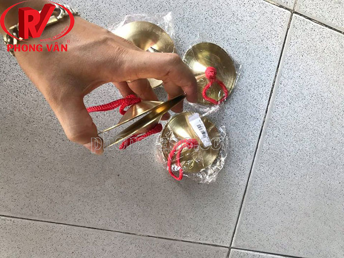 Cặp nhạc cụ bằng đồng 9 cm