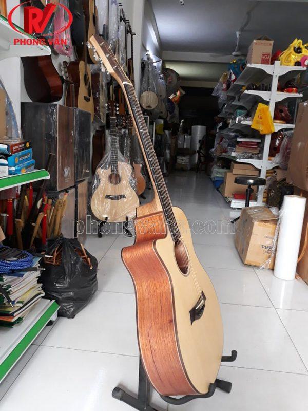 Đàn guitar acoustic thuận tay trái