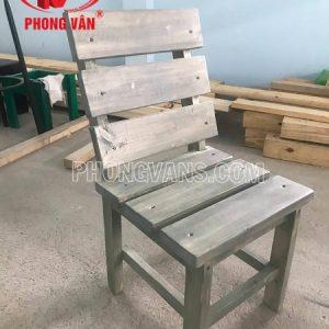 Ghế tựa lưng gỗ thông