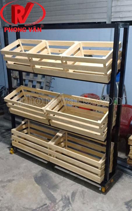 Kệ bán trái cây bằng gỗ thông pallet