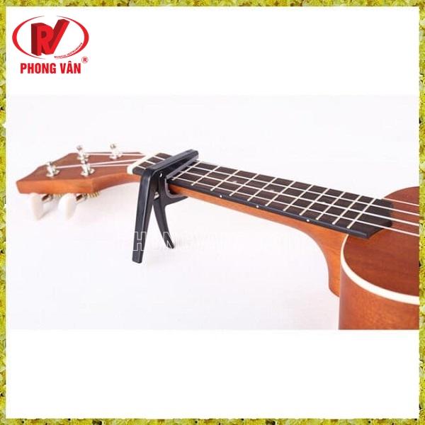 Kẹp capo ukulele