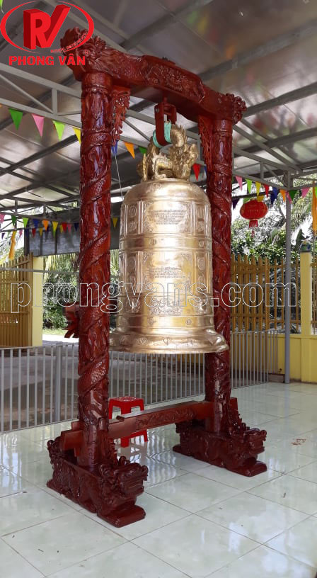 Chuông đồng đỏ Huế 1 tấn