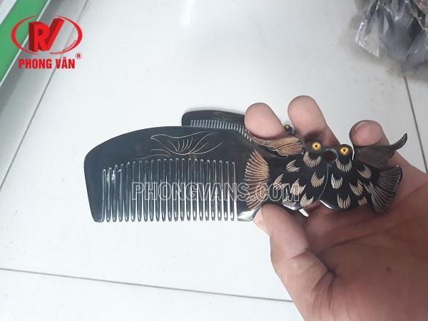 Lược chải tóc bằng sừng trâu chạm đôi chim bồ câu