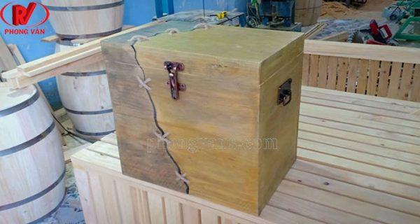 Hộp kho báu giả cổ bằng gỗ
