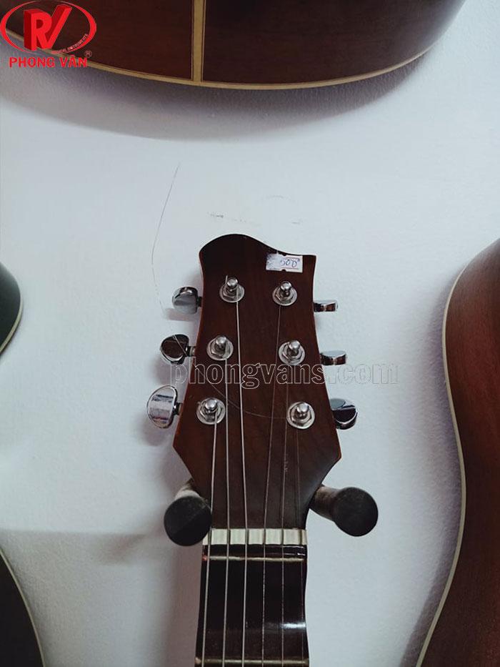 Móc treo đàn guitar trên tường