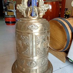 Chuông đồng đỏ nặng 50 kg