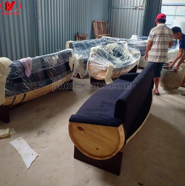 Bàn ghế sofa từ thùng rượu gỗ