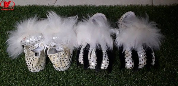Giày múa lân trắng lông cừu