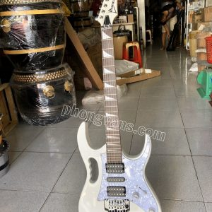 Đàn guitar điện ibanez màu trắng