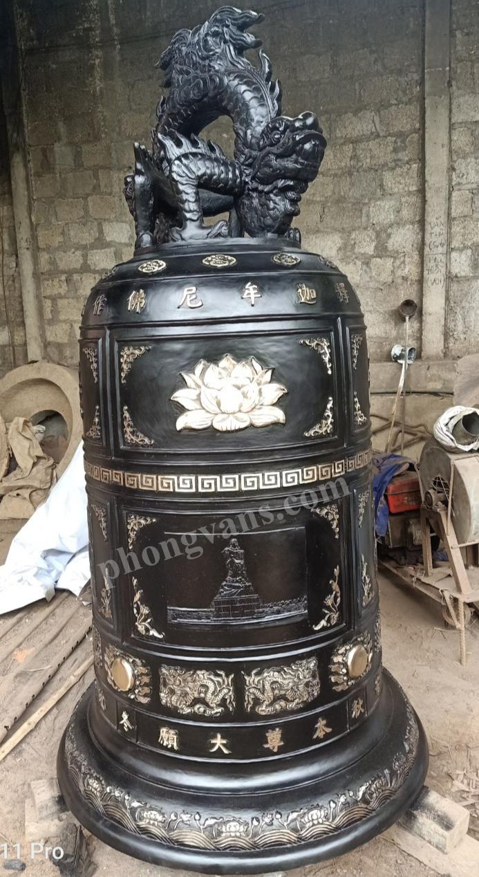 Đúc chuông đồng Đại hồng chung nặng 1 tấn màu đen