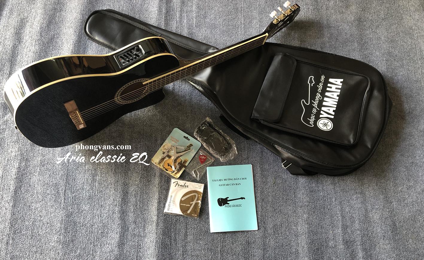 Guitar Classic Aria EQ màu đen