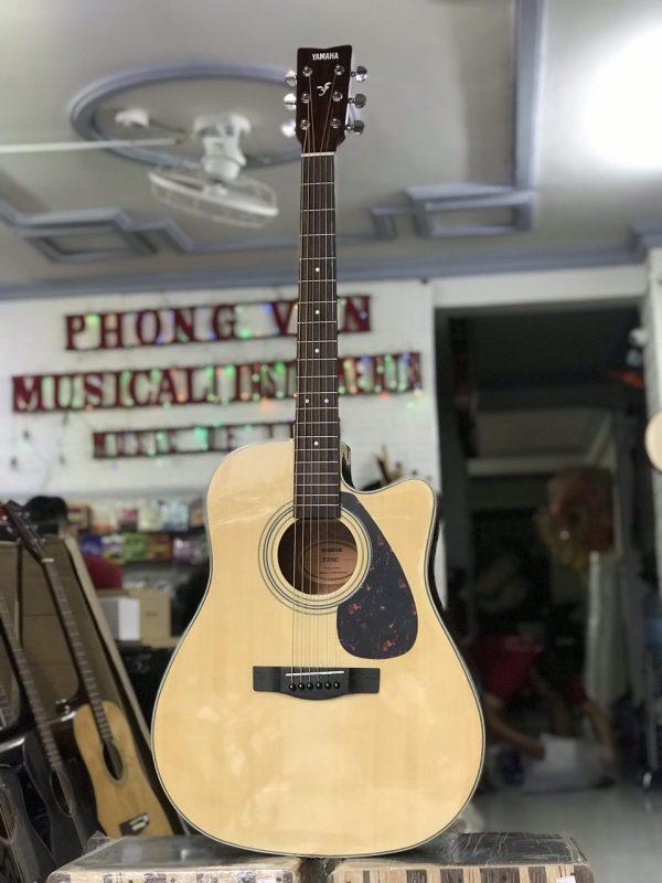 Đàn guitar Yamaha F370C có EQ