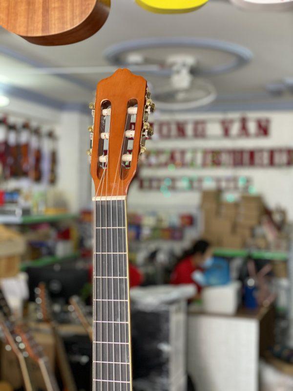 Guitar classic dáng D đẹp