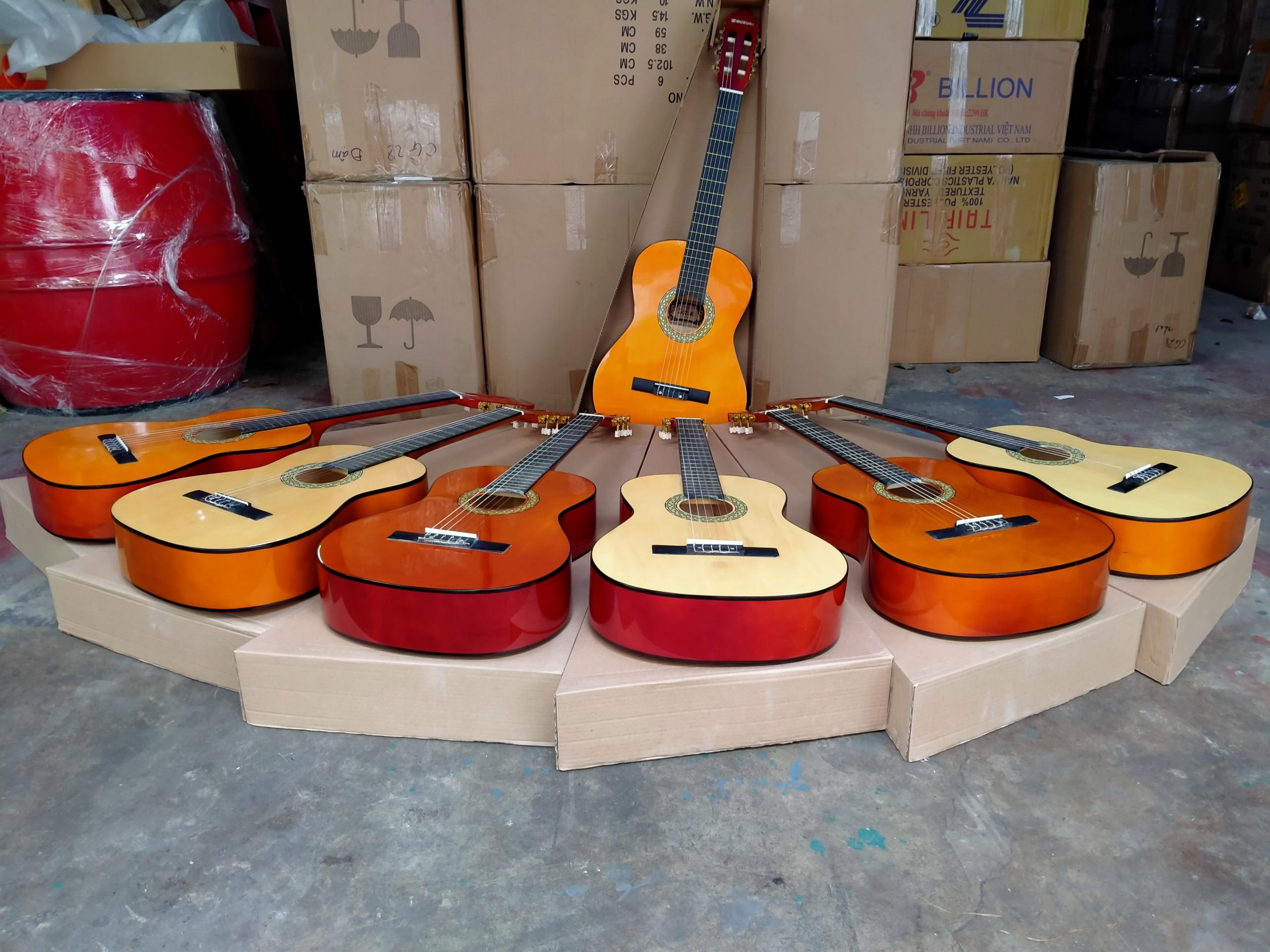 Bán sỉ guitar classic Suzuki