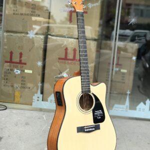 Guitar Fender CD-60CE có EQ