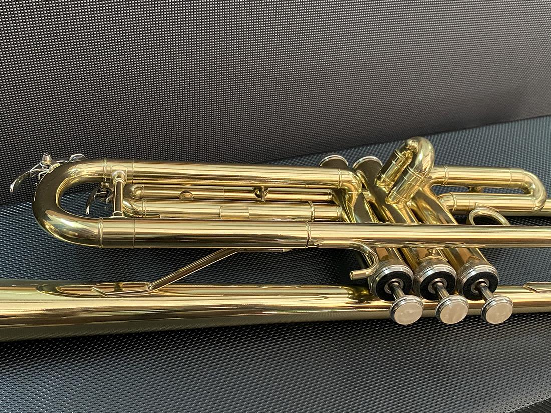 Kèn trumpet HT music màu vàng HTR-628
